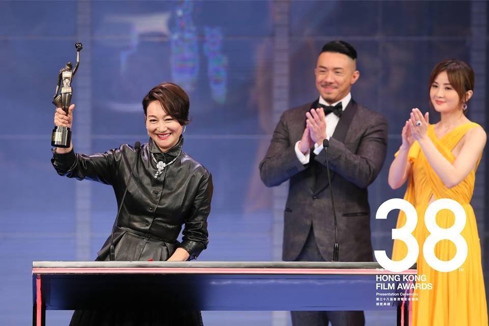 惠英紅再次勇奪最佳女配角!爐火純青的演技讓她再次站上顛峰!