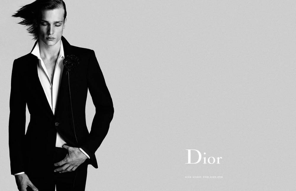 睽違八年的CELINE中性香水系列!LVMH集團如何借助Hedi Slimane複製Dior的成功之路?