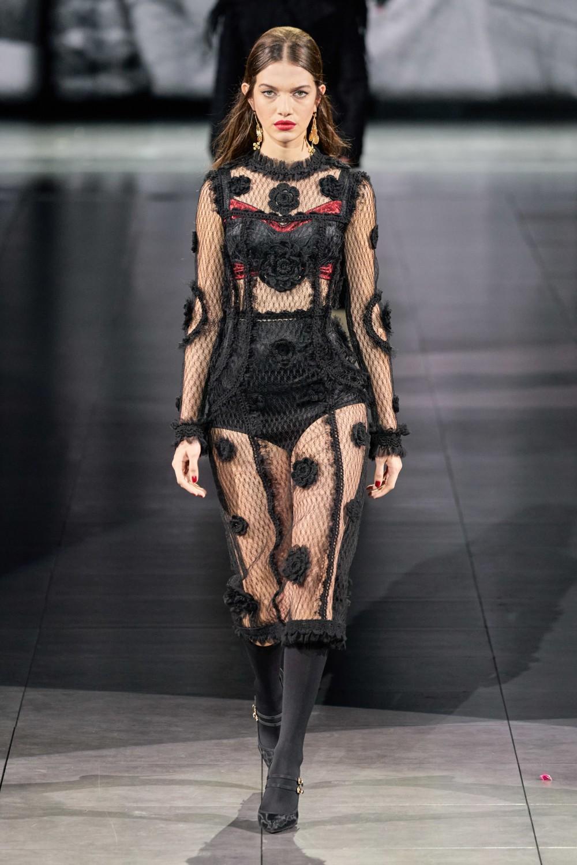 【米蘭時裝週】Dolce&Gabbana的針織狂想曲!「Fatto A Mano」致敬傳統工藝!