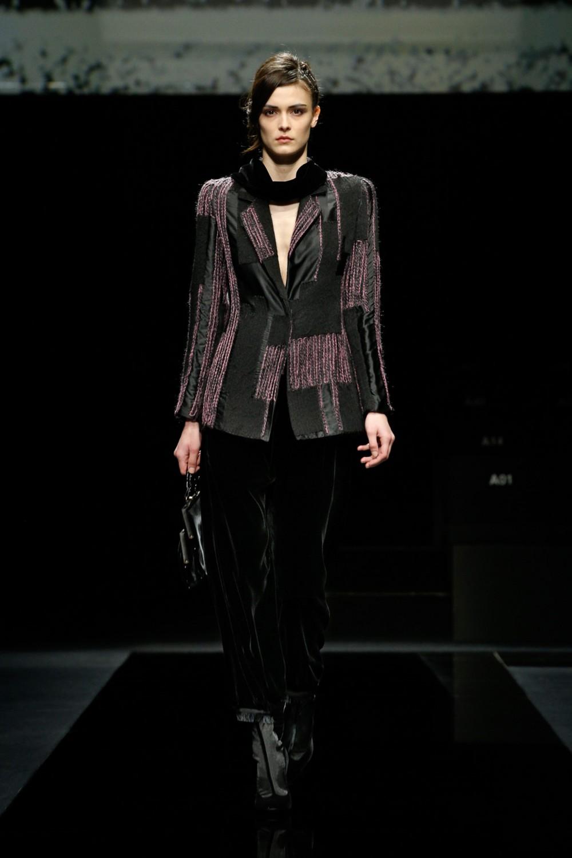 【米蘭時裝週】Giorgio Armani的女性宣言!敲響天鵝絨的時尚音符!