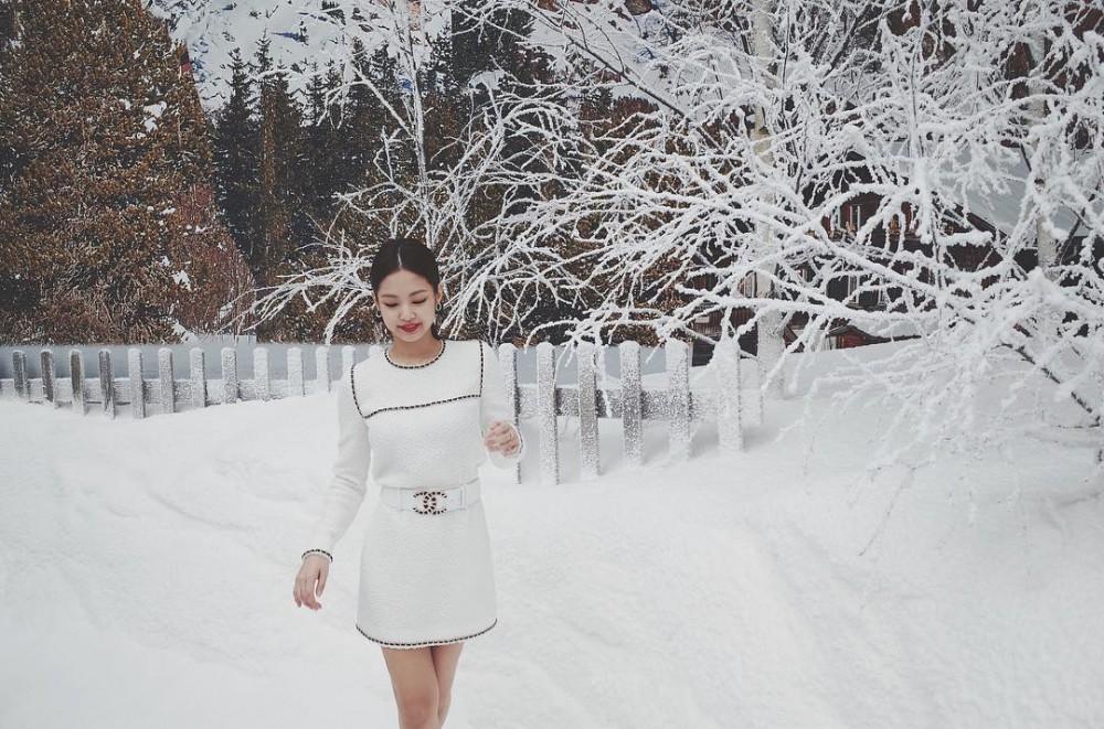 Jennie的時尚之路!她是如何淬煉成為「人間香奈兒」?