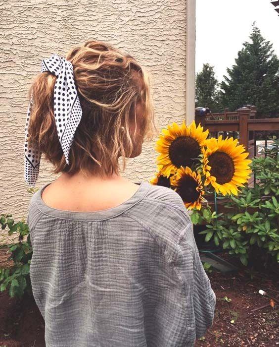 【短髮造型】簡單時尚又有個性!短頭髮的最佳減齡頭飾原來就是一條大絲巾