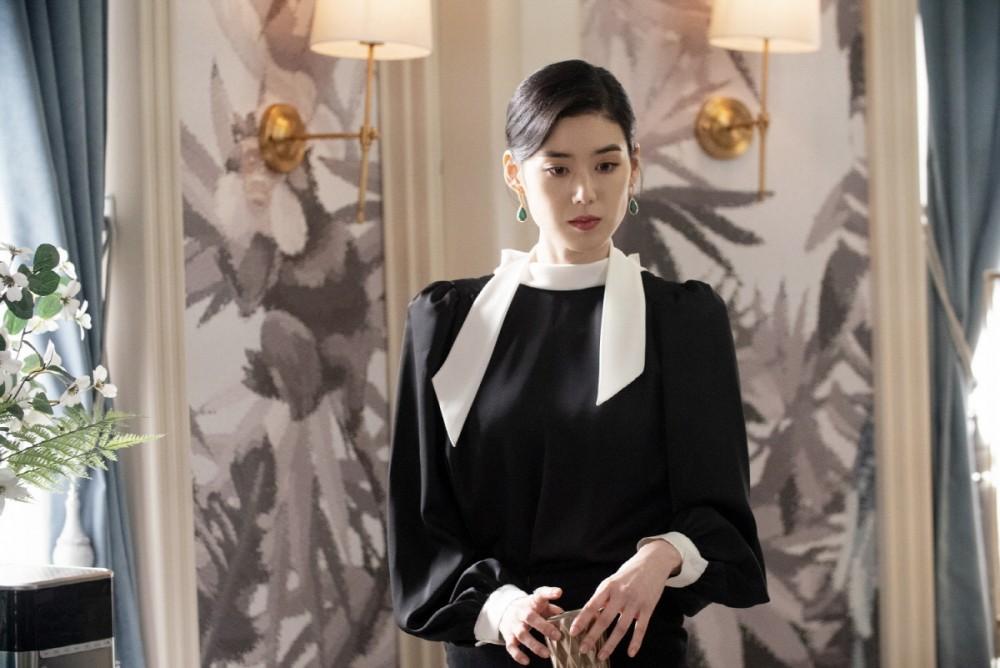 《The King:永遠的君主》百萬珠寶盡顯霸氣!鄭恩彩的年輕女性總理造型!