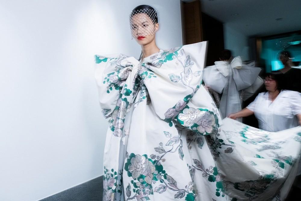 Valentino宣佈退出巴黎時裝週!四大時裝週會否正式走向窮途末路?