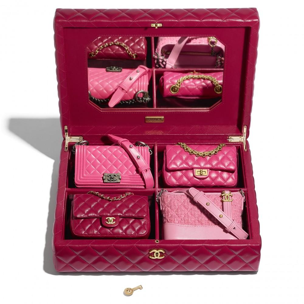 盛載4個迷你版經典香奈兒手袋的禮盒006