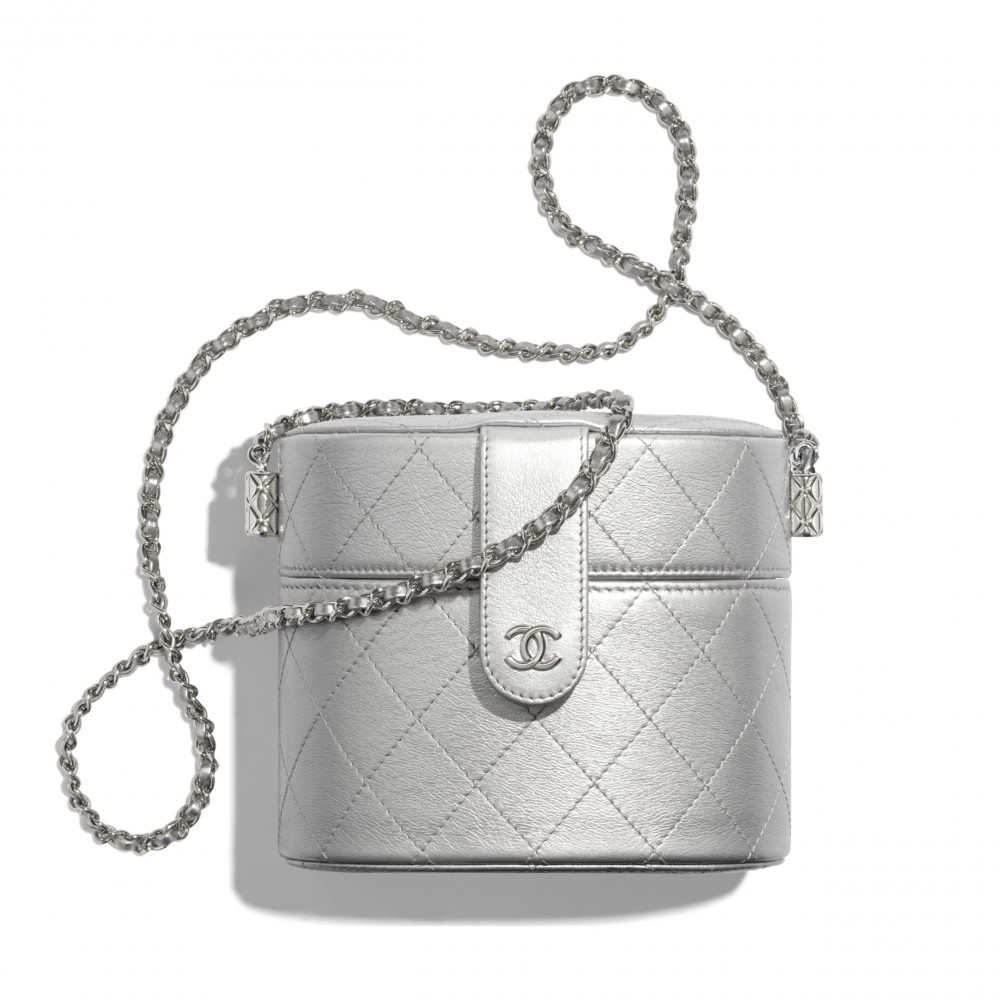 Chanel clutch with chain HKD14,400