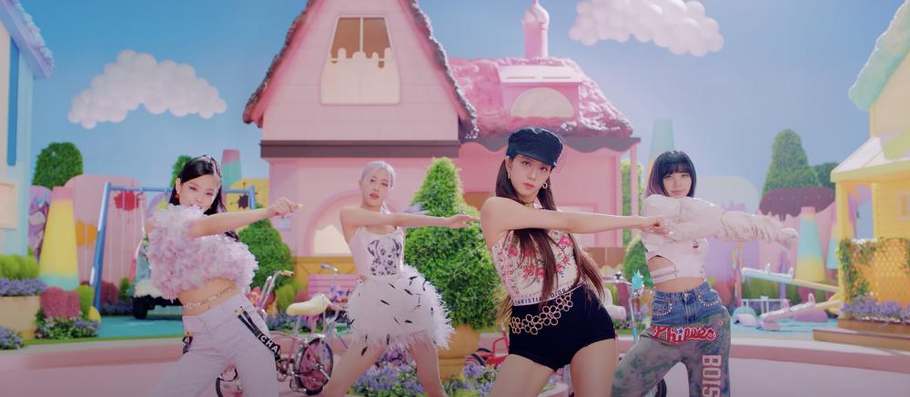 BLACKPINK +Selena Gomez 新曲 潮跟Jisoor絲巾005