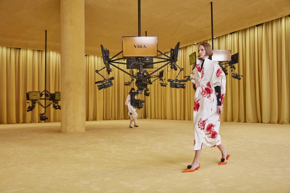 【2021春夏米蘭時裝週】Raf Simons首場PRADA 簡潔利落時尚視覺001