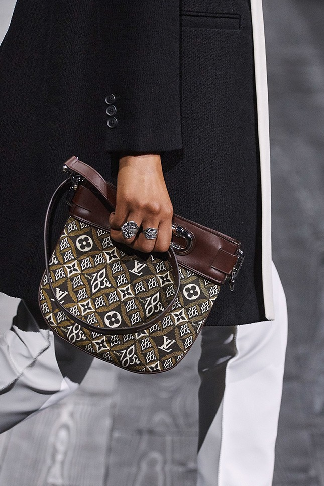 Louis Vuitton、CELINE、Dior、Gucci 4大名牌力推款 復古Monogram經典時尚翻紅