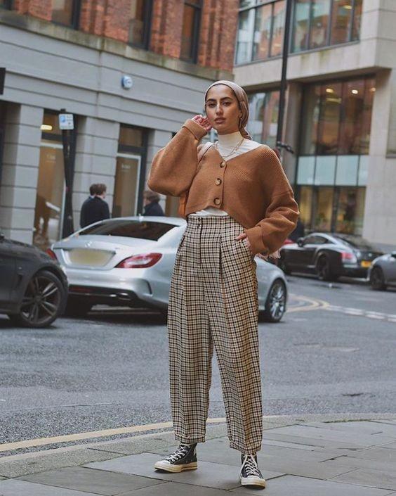 「高腰西褲」穿搭重點 穿出長腿好比例