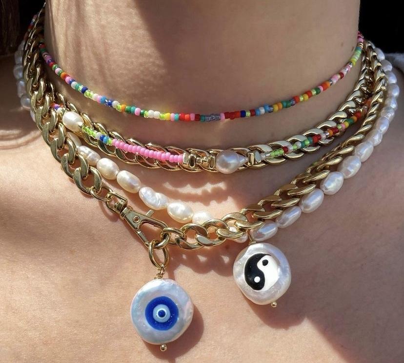多彩的珠寶捲土重來