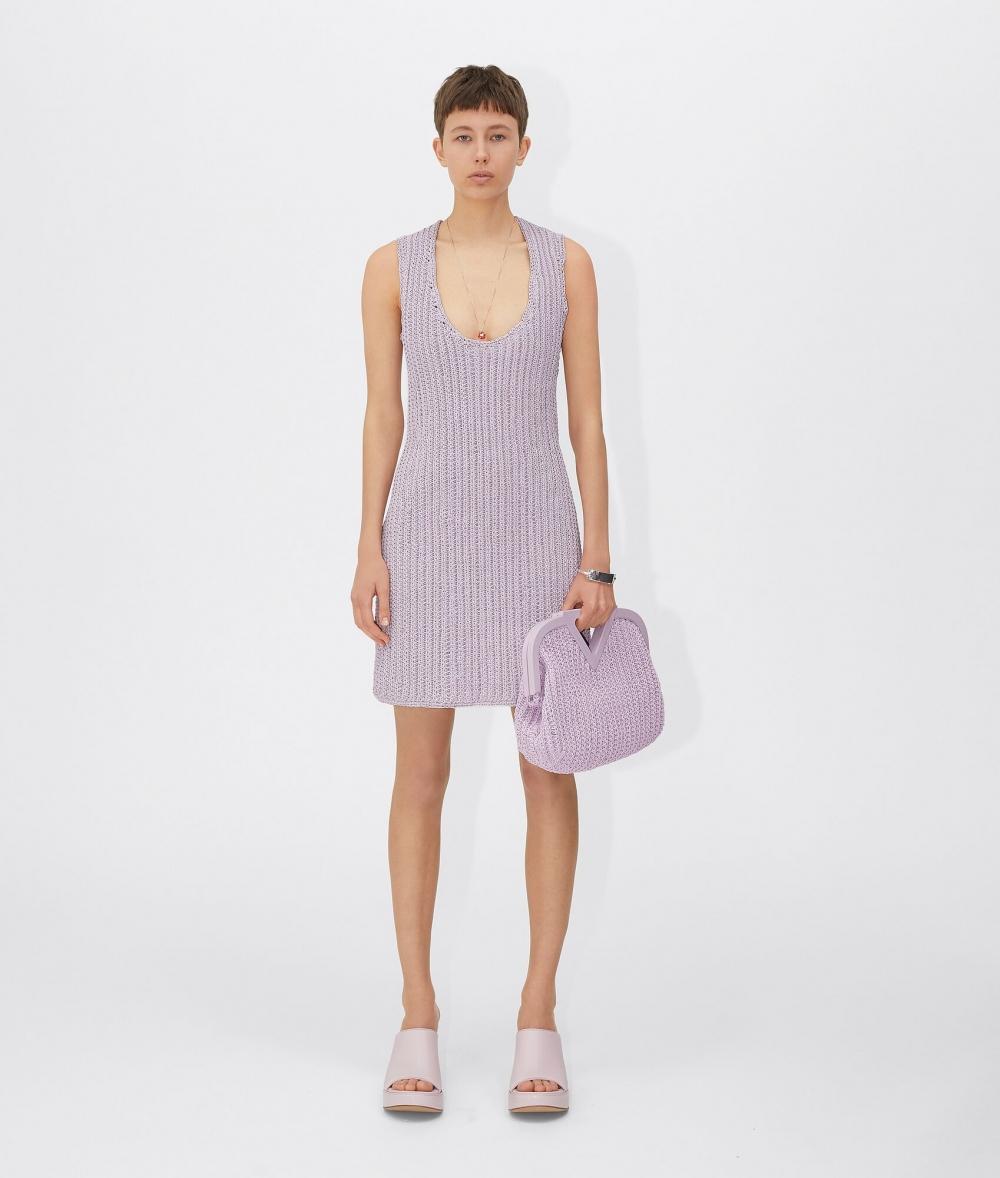 夏日紫丁香色增添好感度, LOEWE、Bottega Veneta等10款讓人心動的紫色調手袋