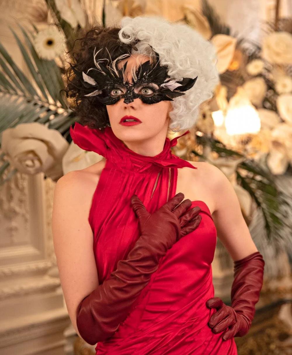 迪士尼最好看的真人反派電影!劇中狂換47套造型,時尚女魔頭Cruella的個人時尚秀