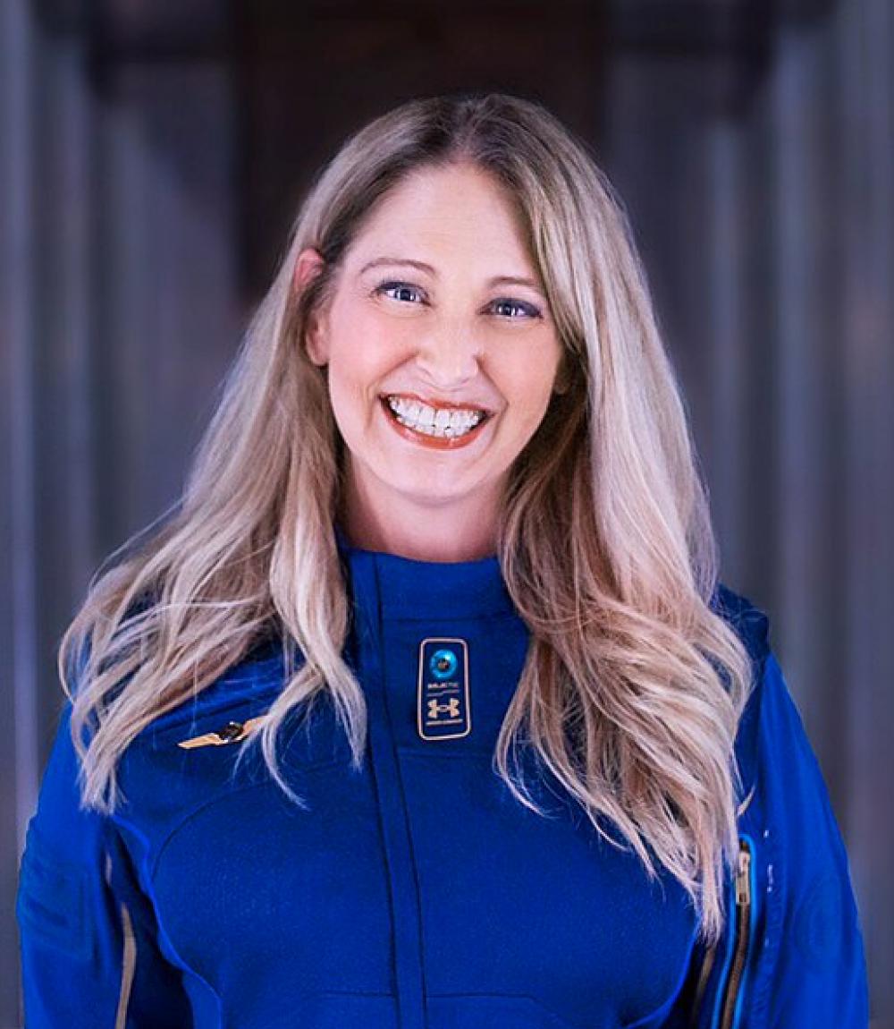 「第一位乘坐太空飛機的女性」,首席太空人教練Beth Moses「面對夢想,你不應該將就」