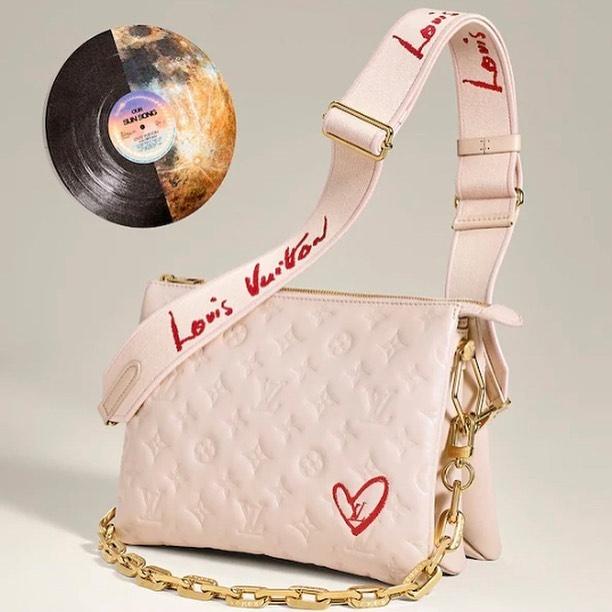慶祝最真摯的愛情,Louis Vuitton推出Fall In Love七夕情人節限量系列,幫我們將愛傳遞給下去