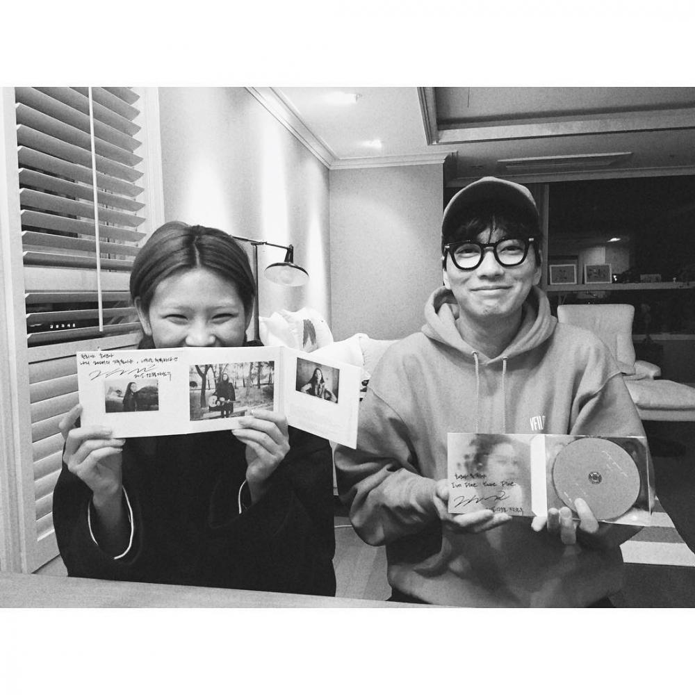 與男演員李東輝愛情長跑6年,感情穩定