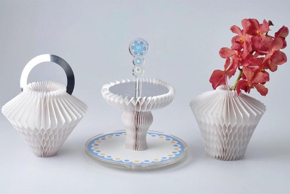 有如藝術品一般下午茶架,還能變身成花瓶以及提籃