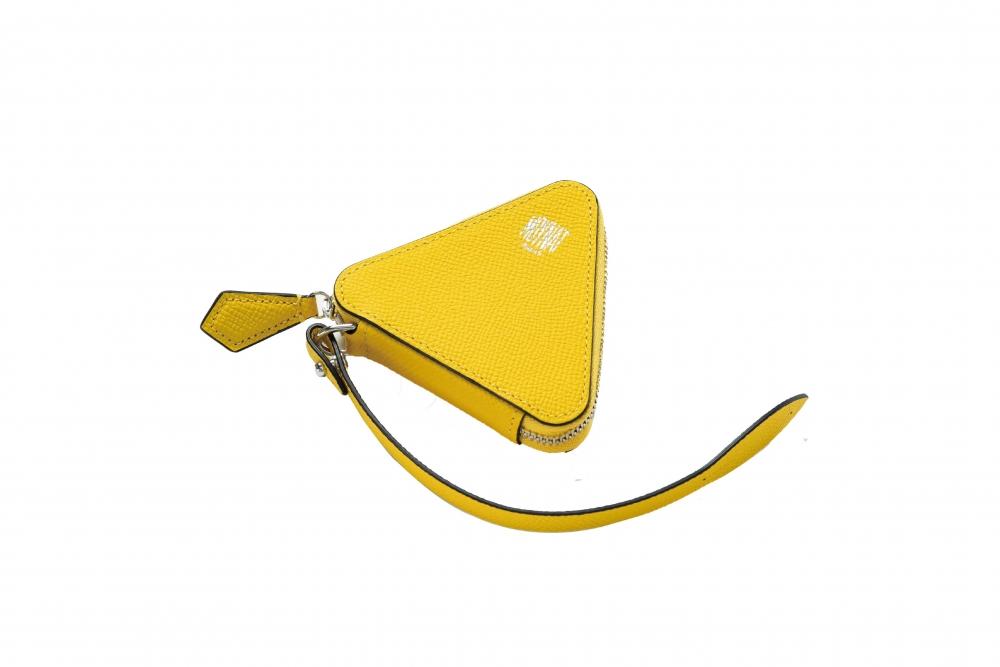 橢圓形、三角形和正方形等幾何形狀的魅力,黃色三角形很亮眼。