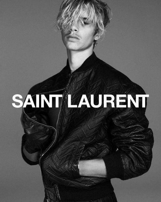長大成人的Romeo更登上雜誌封面並成為Saint laurent最愛的一位代言人