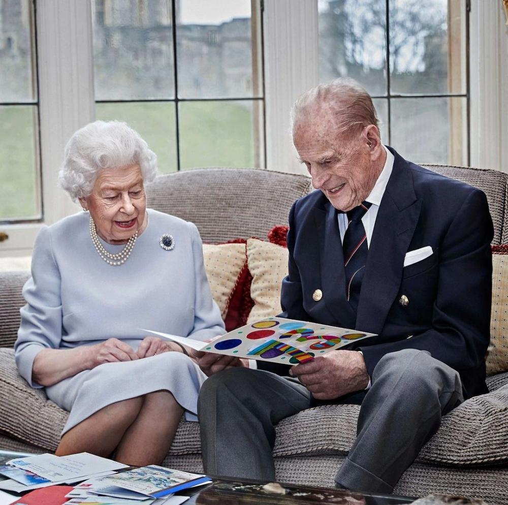 女王隨身攜帶親王的愛與陪伴