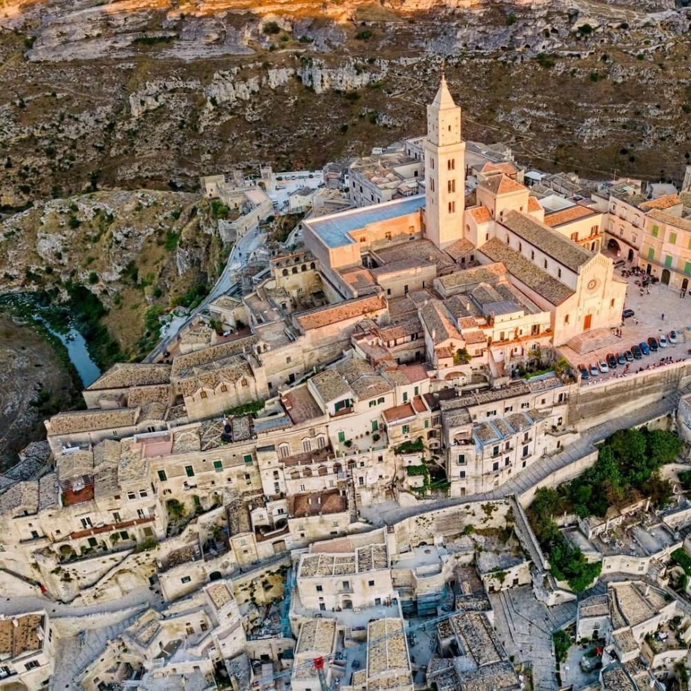 世界上最古老石窟城市之一的義大利馬泰拉(Matera)