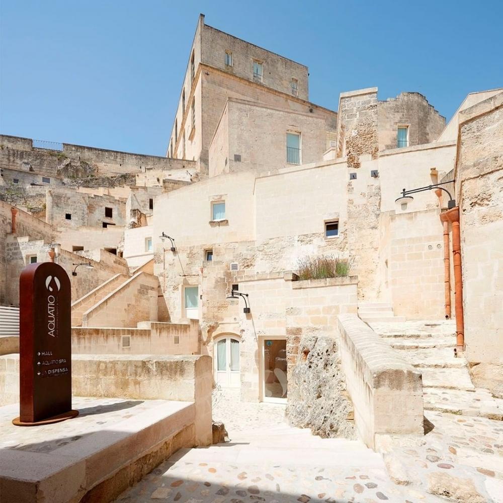 進入這個古城Aquatio Cave Hotel酒店中探索腳下古蹟瑰寶