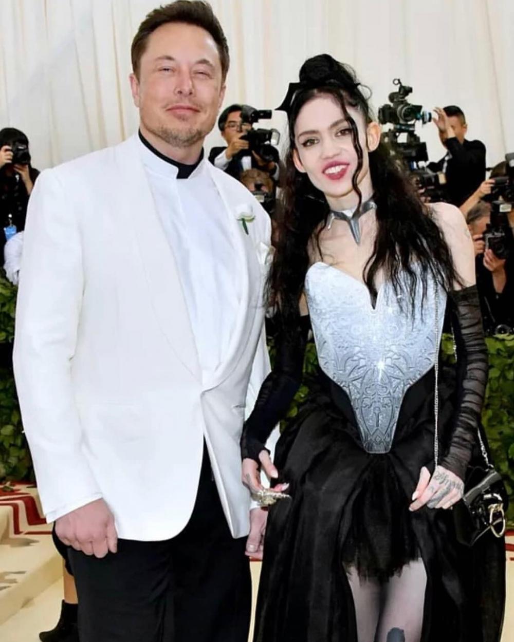 與Tesla與SpaceX的創辦人Elon Musk的3年戀情